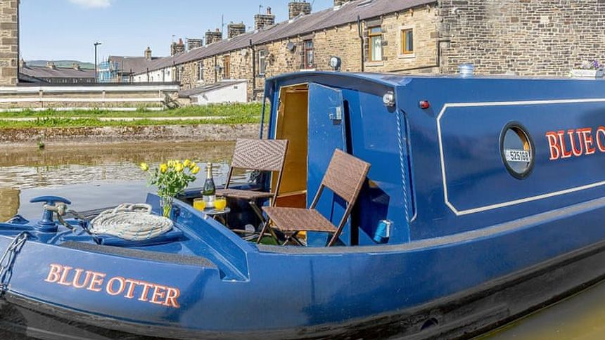 UK Boating Holidays - Up to 10% extra Volunteer & Charity Workers discount