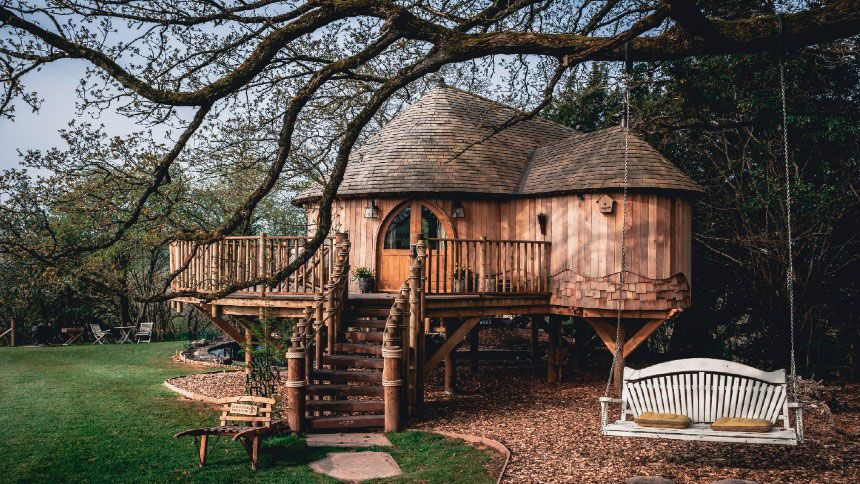 UK Glamping Holidays - £16 off for Volunteer & Charity Workers